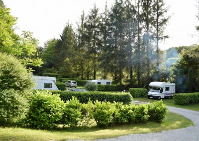 plusieurs camping-cars