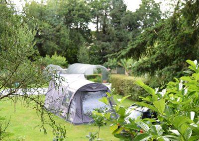 Camping parmi la verdure